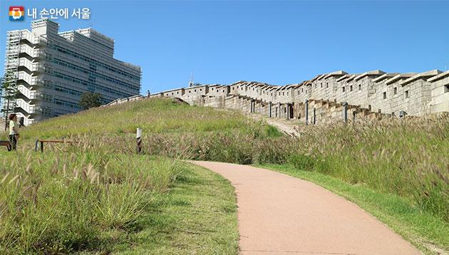 한양도성박물관과 동대문성곽공원