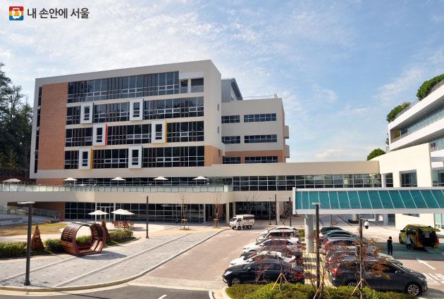 10월27일 서초구 서울어린이병원 내 삼성발달센터가 개원했다