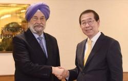 박원순 서울시장은 인도 순방 중 11월9일 하디프 싱 푸리 인도 주택도시개발부 장관과 면담했다