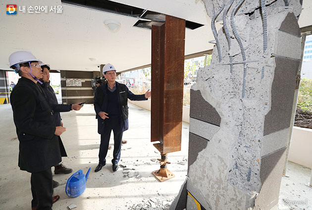 포항 지역 지진으로 무너진 필로티 건물기둥ⓒnews1
