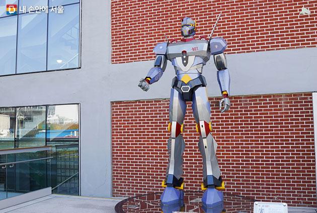 세운상가 장인들이 만들어낸 로봇 세-BOT