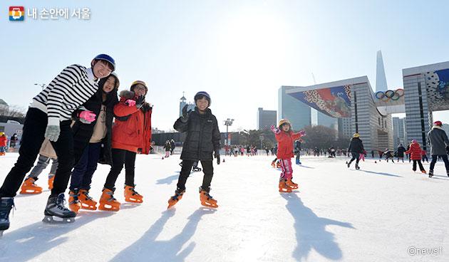 올림픽공원 평화의 광장 스케이트장ⓒnews1