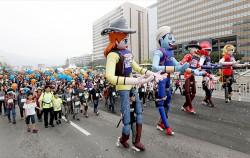추운 날씨 탓으로 실외 활동이 꺼려지는 때다. 하지만 추운 계절에는 소화장애가 발생하기 쉬워 식후 산책으로 건강관리를 해야 한다. 사진은 `서울을 걷자 페스티벌` 모습 ⓒnews1