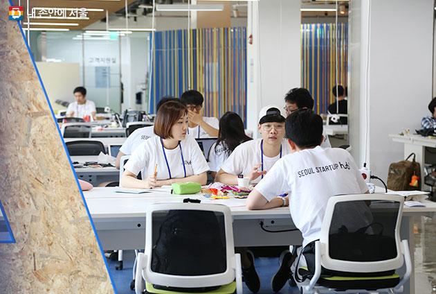 1단계 부트캠프 운영 후, 우수기업 3개사는 2단계 지원을 추가적으로 받게 된다