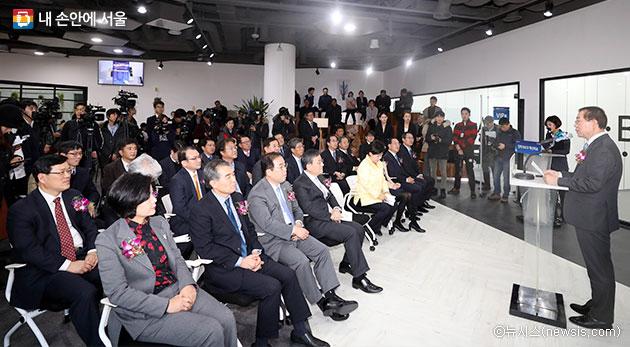 박원순 서울시장이 양재 R&CD혁신허브 개관식에 참석해 인사말을 하고 있다.ⓒ뉴시스