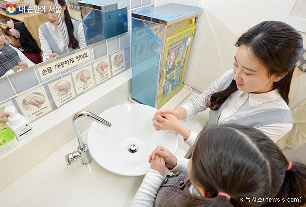 겨울철 노로바이러스 등 장염을 예방하려면 위생관리에 유의해야 한다ⓒ뉴시스