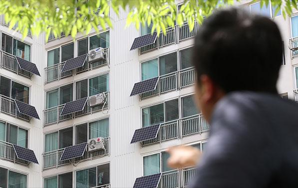 태양광 에너지로 전환해 미세먼지 저감 효과를 거둘 수 있다 ⓒ연합뉴스