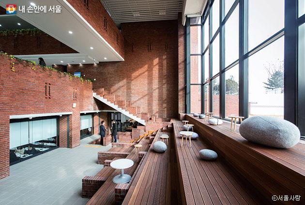 건축가 김수근의 작품인 산업지원동은 서울 미래유산으로 지정되었다 ⓒ서울사랑