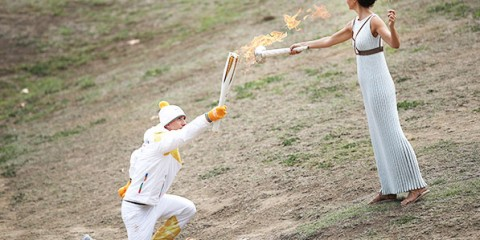 10월 24일 그리스 올림피아 헤라신전에서 진행된 2018 평창동계올림픽 성화 봉송ⓒ뉴시스