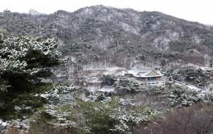 삼청공원은 한양도성과도 이어진다. 한양도성에서 바라본 운치 있는 겨울 풍경