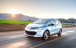 전기차 구매보조금 최대 1,700만원까지 지원, 사진은 GM의 전기승용차 볼트