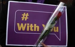 성폭력·성희롱 고발 캠페인 미투 운동 및 그들을 지지하는 위드유 운동이 사회 전반으로 확산되고 있다.