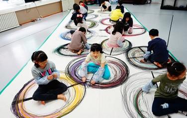 서울무용교육원의 `꿈다락 토요문화학교` 프로그램에 참가 중인 어린이들