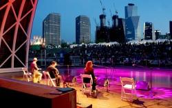 매주 금·토요일 저녁 7시 여의도 물빛무대에서 다양한 공연이 펼쳐진다
