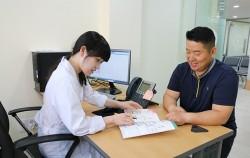 영등포보건소 대사증후군관리센터에서 건강검진 후 의사와 상담을 진행하고 있다