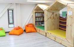 모두의 학교 도서관. 이곳에서 운영하는 프로그램은 모두 시민이 함께 기획하고 운영 중이다.