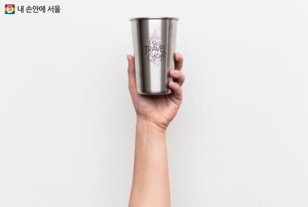 매장 내에선 일회용 컵을 사용할 수 없어요