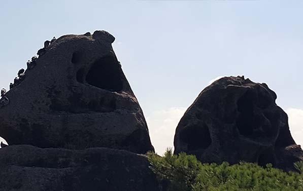 인왕산 자락의 성곽마을 무악동, 선바위