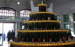 문화역284 중앙홀에 전시된 '커피, 케이크, 트리' 대형 작품