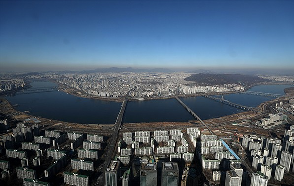 서울시는 도시관리수단으로 유지됐던 '미관지구'를 53년 만에 폐지한다.