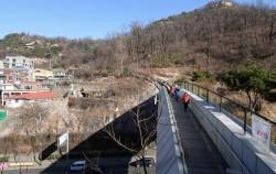 40년 넘게 끊겼던 산길과 마을을 이어주는 생태연결로