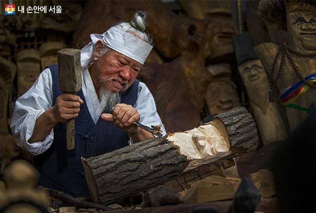 심혈제작 / Zhong Weidong / 민속마을