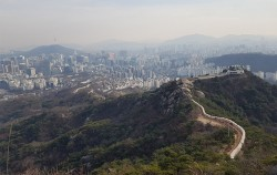 서울이 한눈에 내려다보이는 한양도성 인왕산 구간