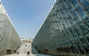 건축가 도미니크 페로가 설계한 이화여자대학교 ECC '빛의 계곡'