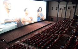 서울시는 CGV·롯데시네마와 제휴를 맺고 서울시민카드앱 회원에게 영화 8,000원 관람쿠폰 등을 제공한다