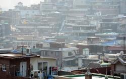 서울시는 이전비 보상·임대주택 지원 등의 '단독주택 재건축 세입자 대책'을 발표했다.