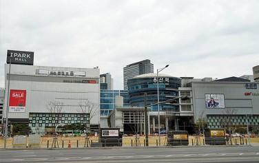 서울의 오랜 역사와 무수한 이야기를 품고 있는 용산역
