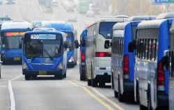 5월 1일부터 '버스 교통카드단말기' 서비스를 개선하여 시각정보‧음성안내 등을 실시한다.