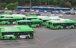 양천구 양천공영차고지에 주차된 버스들