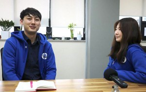 청년정책에 대해 얘기하고 있는 '도도한 콜라보'의 원규희 대표와 김지민 양