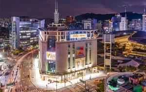 'DDP 패션몰(중구 마장로 22)' 3층 10개 점포를 청년 창업자에게 반값에 임대한다