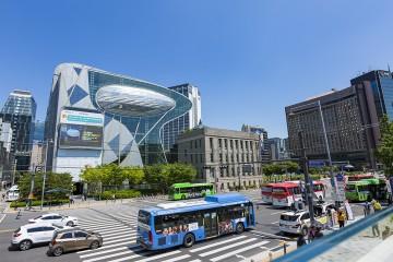 서울도시건축전시관에서 바라본 서울시청