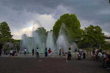 노을 속 어린이대공원 물줄기