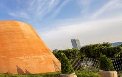 창신동의 지역적 의미를 살려 골무 모양으로 만든 주요 시설물