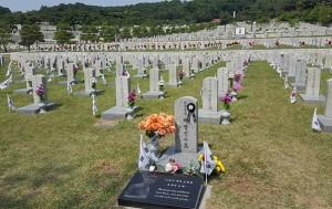 주월한국군사령관 재명신 장군과 사병들의 묘. 호국보훈의 달 6월, 국립서울현충원을 방문해 보자
