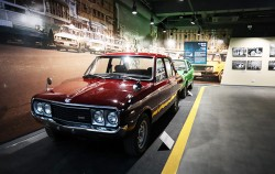 70년대 가장 대중적인 국산 자동차였던 브리샤 자가용과 포니 택시