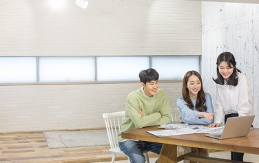서울시는 시민을 '시민참여형 위원회'로 위촉해 시정참여 기회를 제공하고 있다.