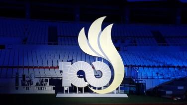 4일 저녁 제 100회 전국체전이 개막된다. 개막식이 열릴 잠실 올림픽주경기장에 설치된 100회 전국체전 조형물