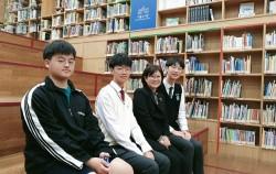 인터뷰중인 이정수 서울도서관장