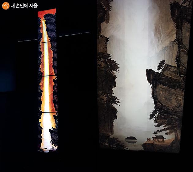 높이 3미터의 거대한 박연폭포가 디지털로 실제 모습을 연출하고 있다