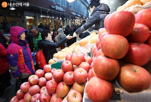 1월 14일부터 서울시내 140개 전통시장에서 설명절 특별행사가 진행된다