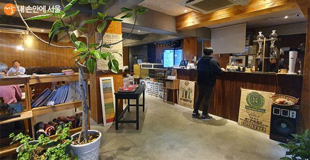 카페 머그는 평상시에 카페로 운영된다