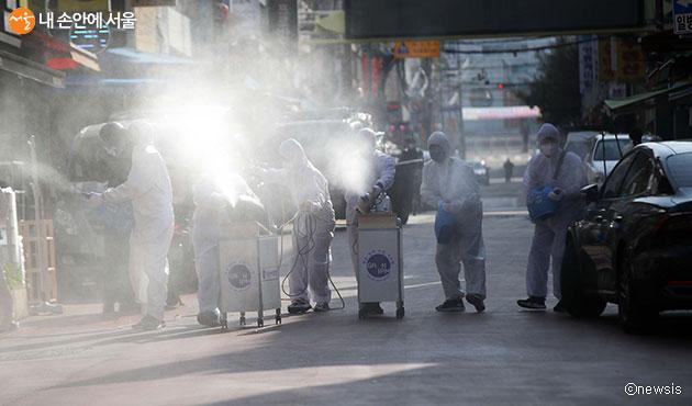 서울시는 코로나19 피해 취약계층의 공공일자리를 마련하고, 3월 6일까지 참여자를 모집한다