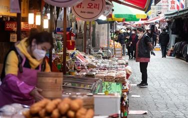 신종 코로나바이러스 전파에 따른 소상공인 피해를 최소화하기 위해 긴급자금을 지원하는 등 서울시가 신속대응에 나선다.