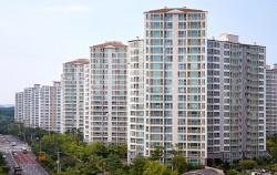 서울시는 아파트 입주민 간 코로나19 확산 방지를 위해 비대면 회의 권고 등 행정지도를 실시한다