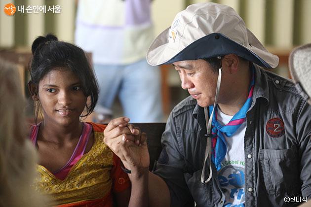 방글라데시 빈민가에서 만난 한 소녀